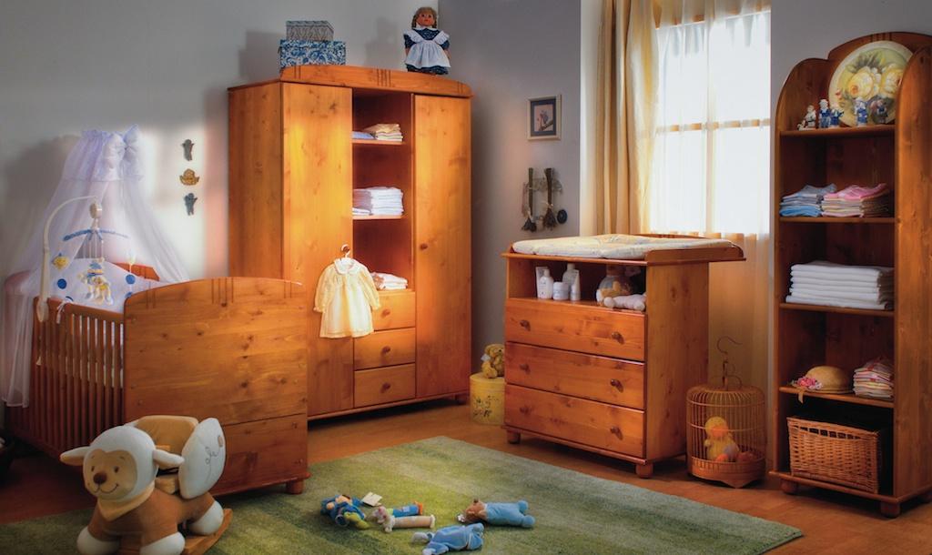 faktum tomi pácolt fenyő gyermekbútor