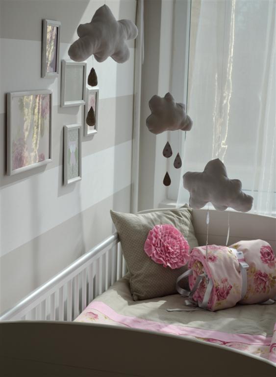 pöttyös szoba babaszoba