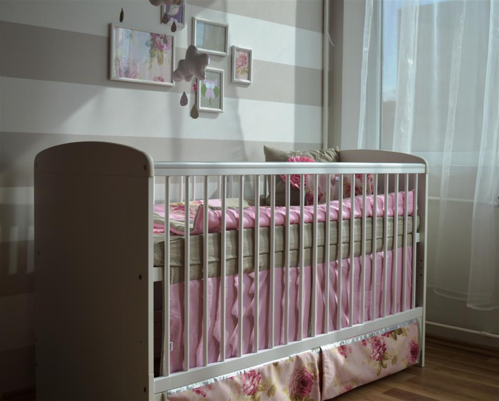 pöttyös szoba babaszoba gyerekszoba tégel babaáruház
